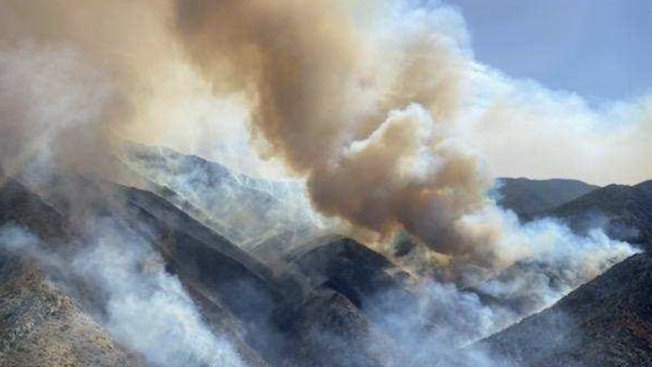 A wildfire burning in brush and grass in a sparsely populated area of central Arizona hill country continues to grow but no additional evacuation notices have been issued. Photo Inciweb.