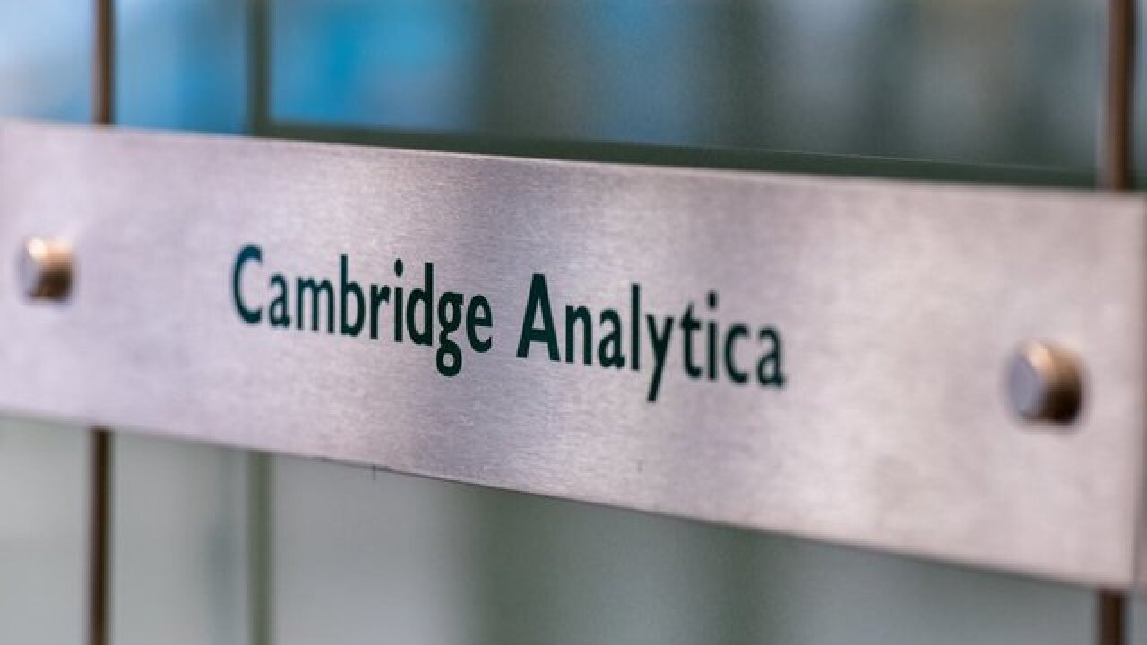 AP: Trump 2020 working with ex-Cambridge Analytica staffers