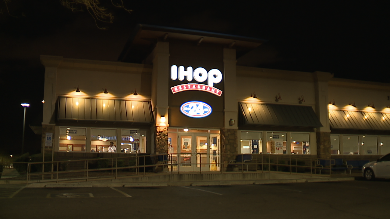 Uber Eats driver assaulted, carjacked at IHOP in Phoenix