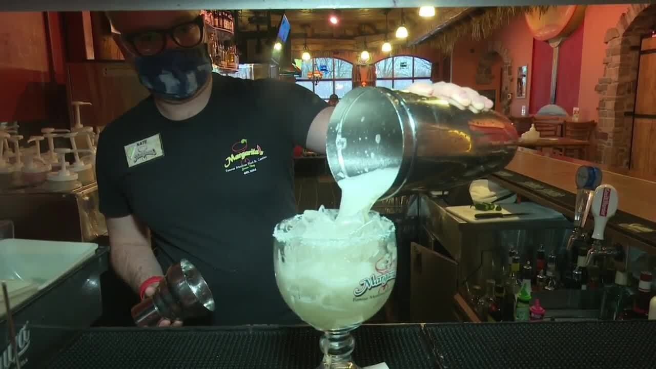 Some restaurants, bars may sell to-go mixed drinks under new proposal