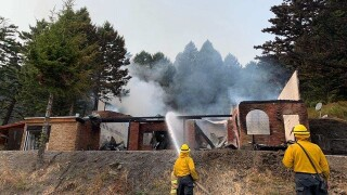 Firefighters quickly contain structure fire in Bozeman Pass