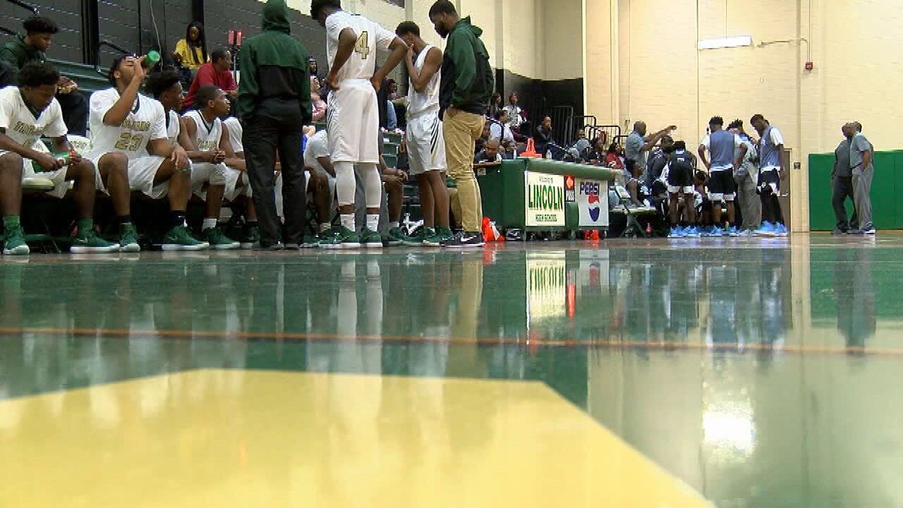 Lincoln Picks Up Win Over Gadsden County On The Hardwood