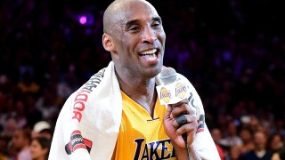 Snoop Dogg gives Kobe Bryant a Lakers-themed convertible