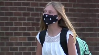 Teachers union calling for masks to be worn at all times in school