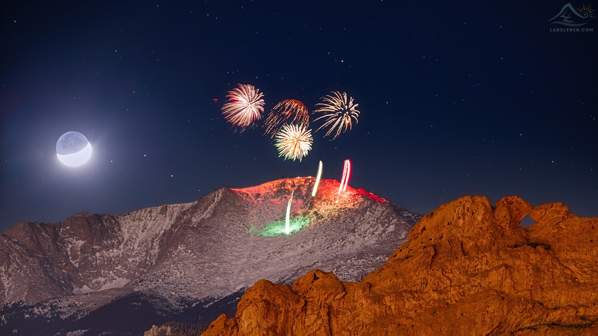 New Years Eve Fireworks on Pikes Peak from Lars Leber Photography.jpg