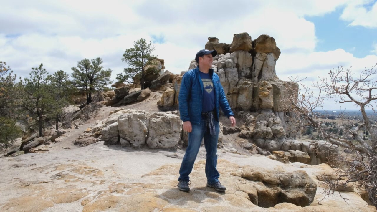 Adventures With Alan Hikes Up Pulpit Rock In Colorado Springs