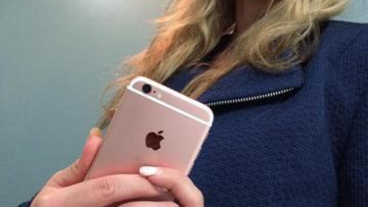 San Diego Woman Recieves iPhone6s Early