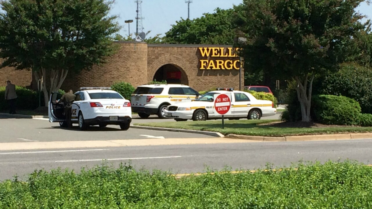Man arrested for Midlothian bank robbery 'struggles' with officer outside Target