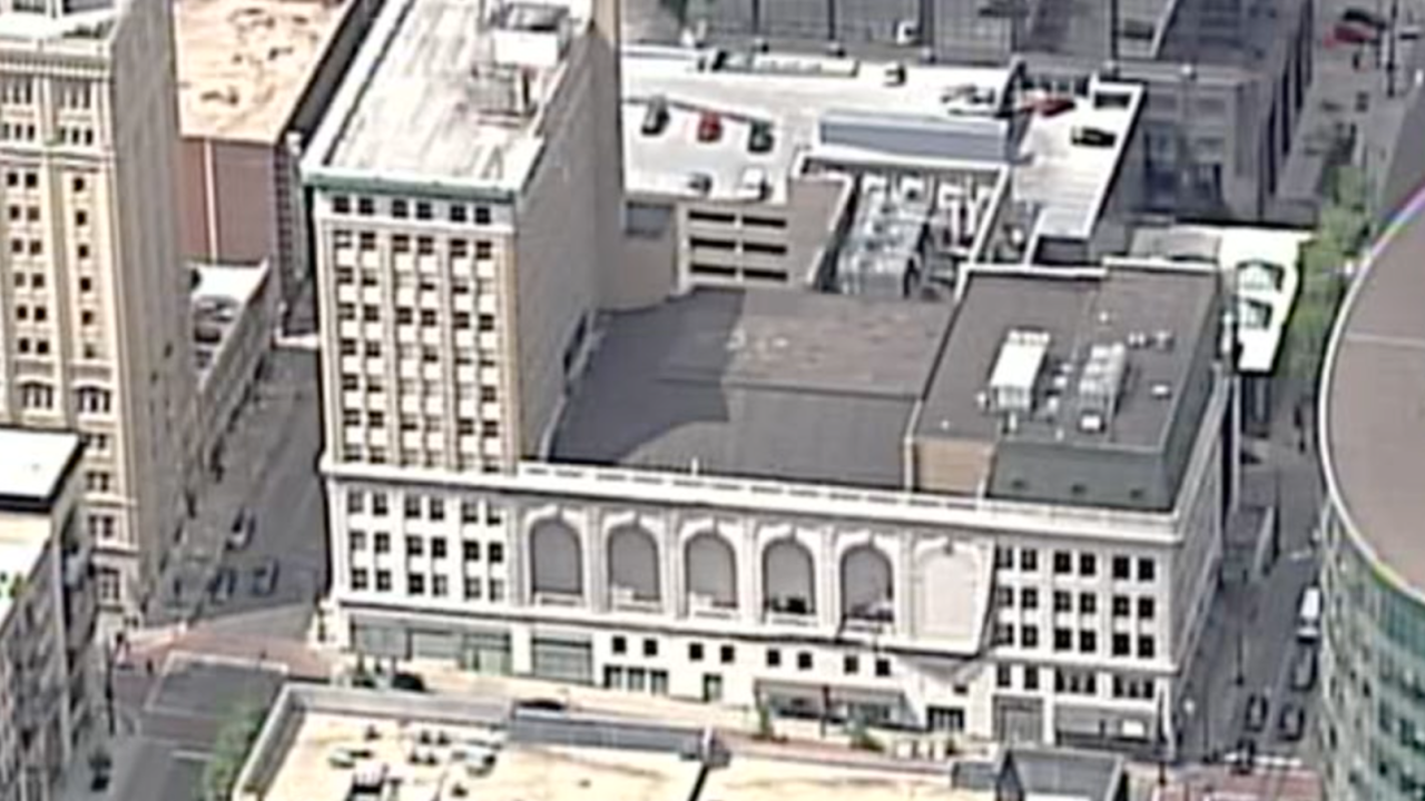 SKY 1221 Baltimore The Saxon at the Midland.png
