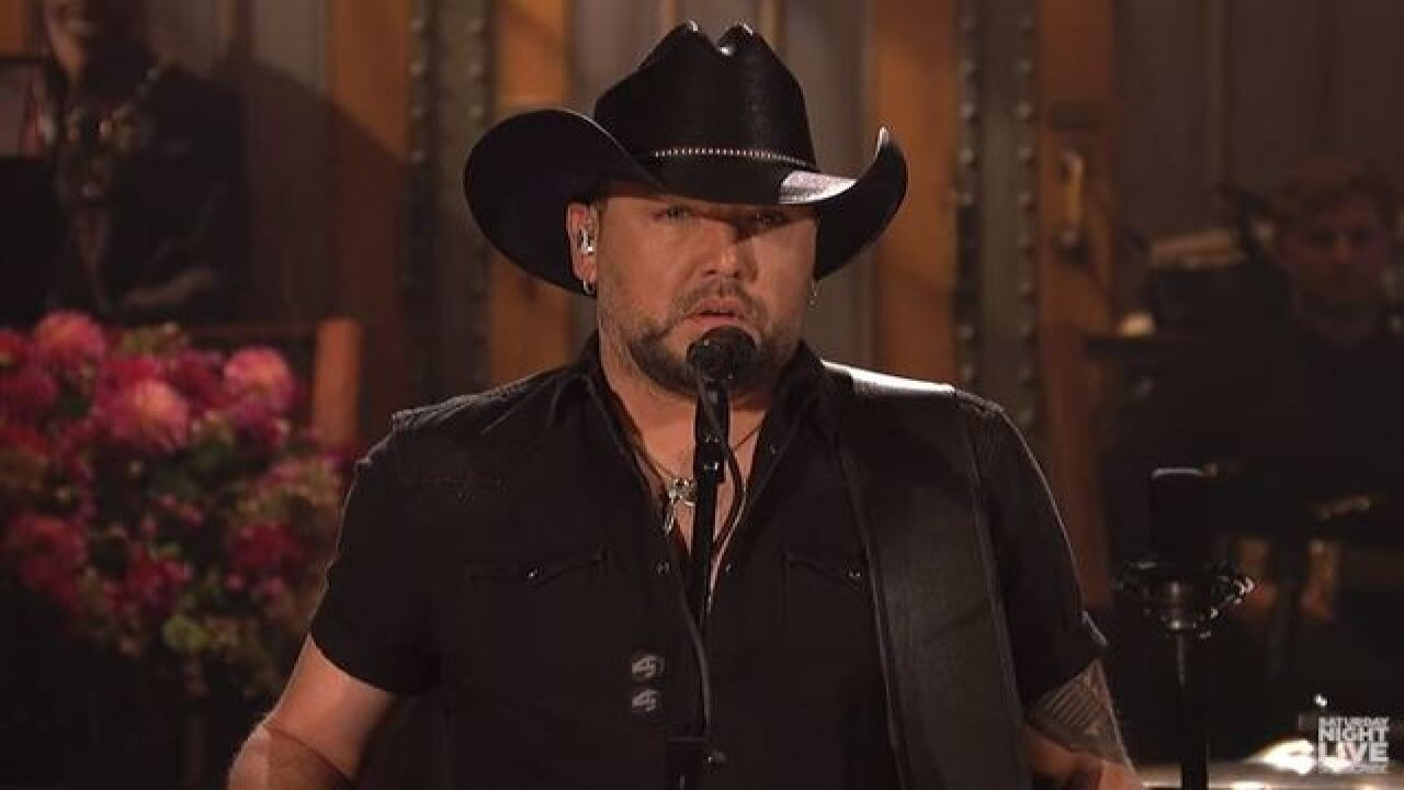 Jason Aldean opens 'SNL' with Tom Petty tribute to Las Vegas victims