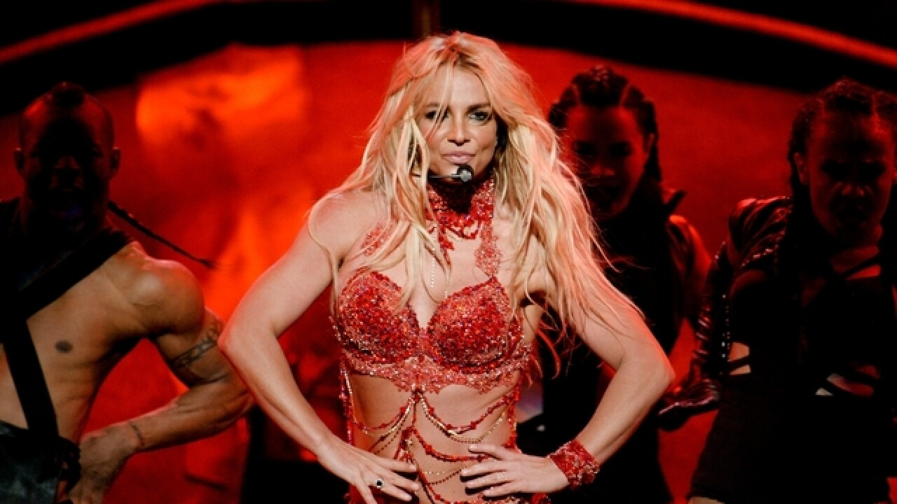 Britney Spears reportedly signs new Vegas deal