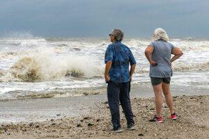 Tropical Storm Beta forecast to make landfall Monday