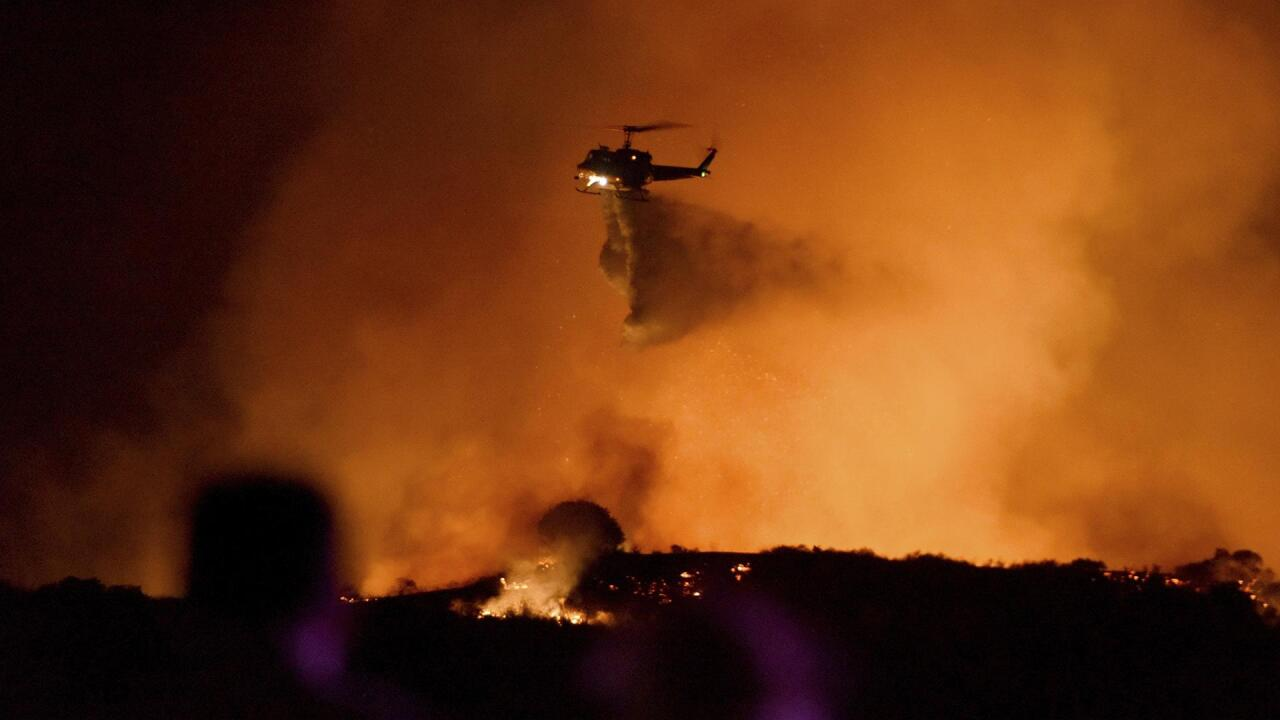 los angeles wildfire spreads to 4,600 acres, forcing