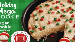 Make A Giant Holiday Cookie With Duncan Hines Mix