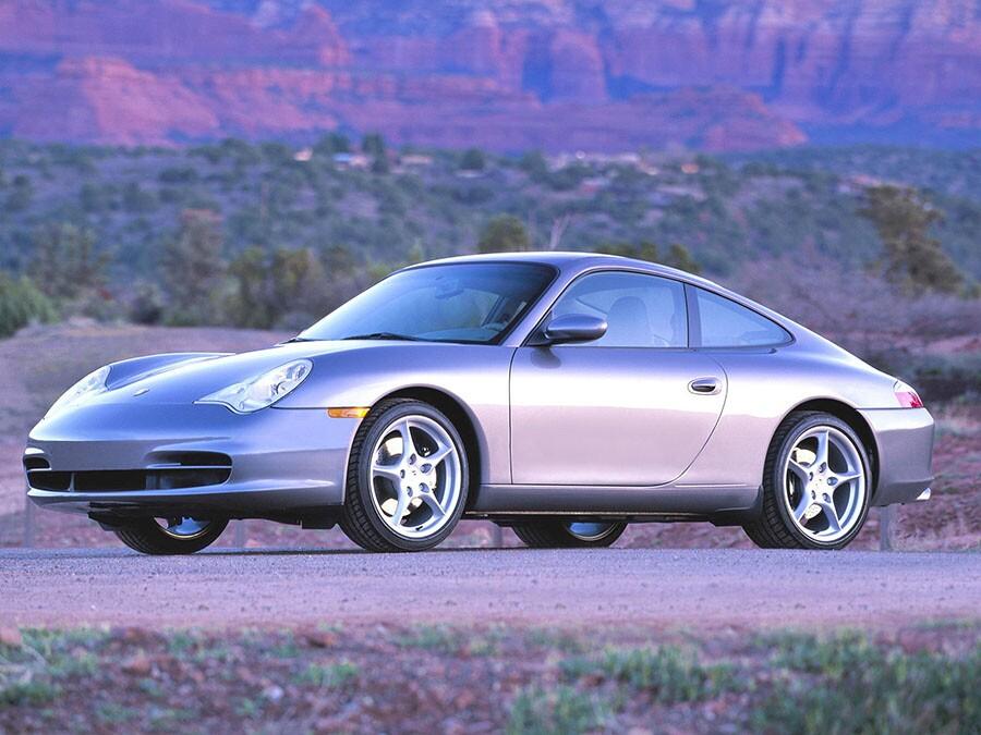 2004 Porsche 911: Premium Sports Car