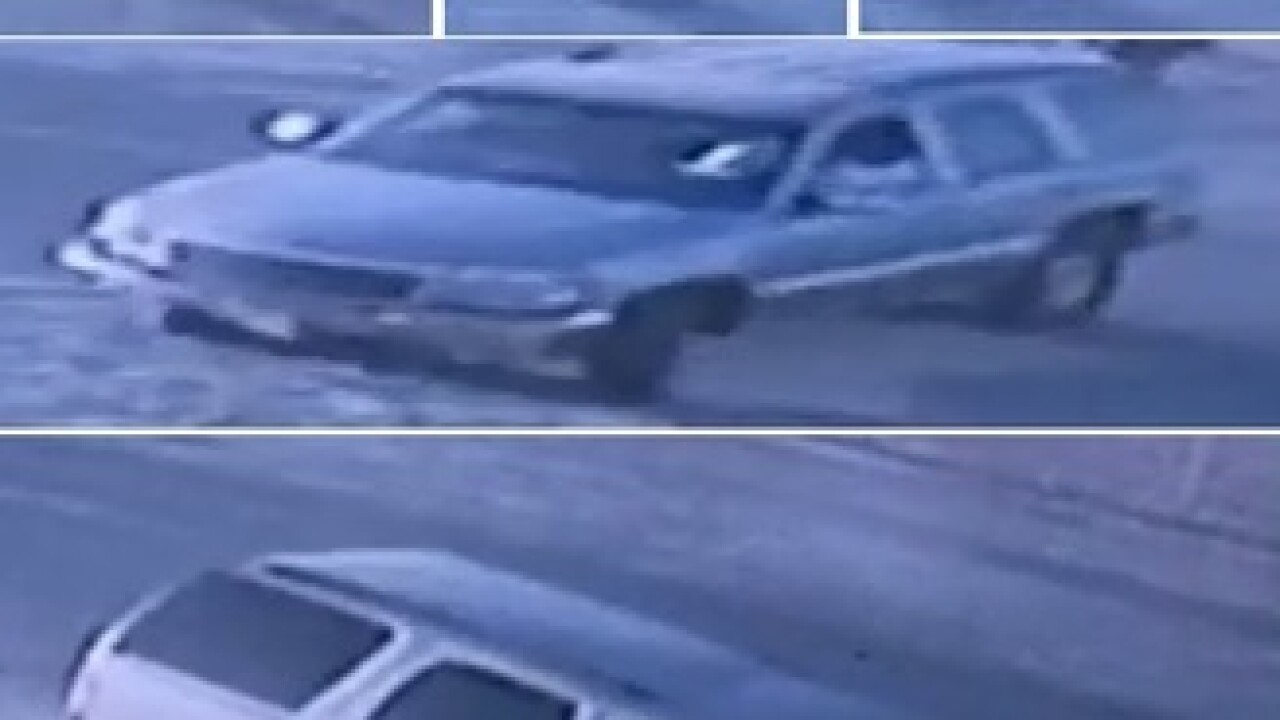 Man beats up and robs shopper in Fresno