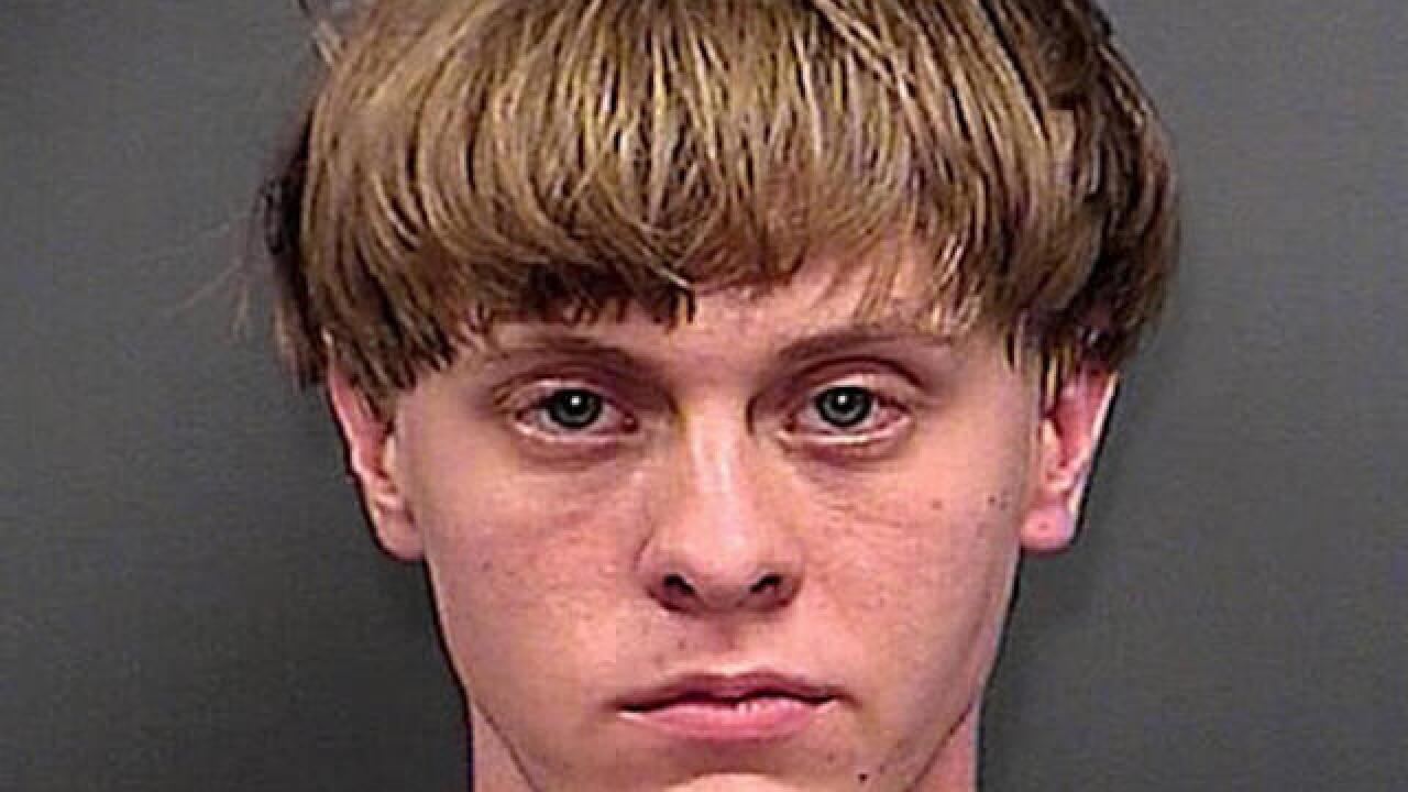 Dylann Roof can act as his own attorney, judge rules