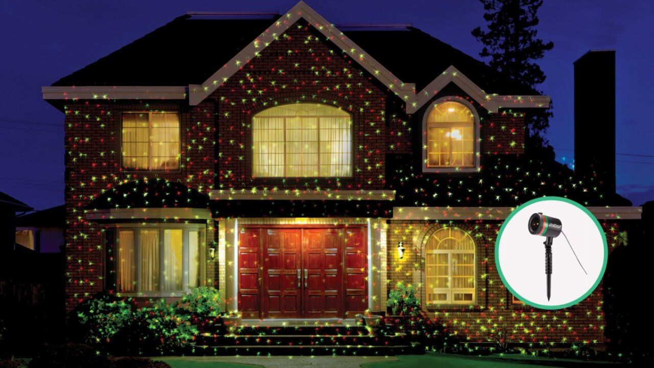 FAA warns holiday decorators about dangers of populardisplay
