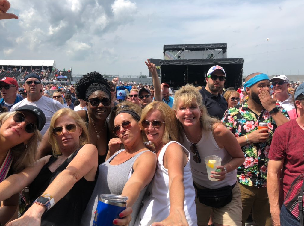 Kool & the gang carb day concert.PNG
