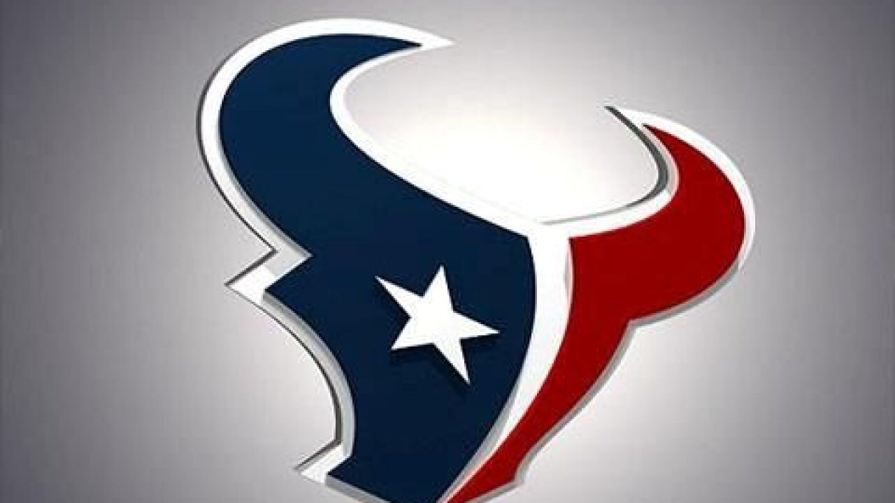 Swearinger released by Texans