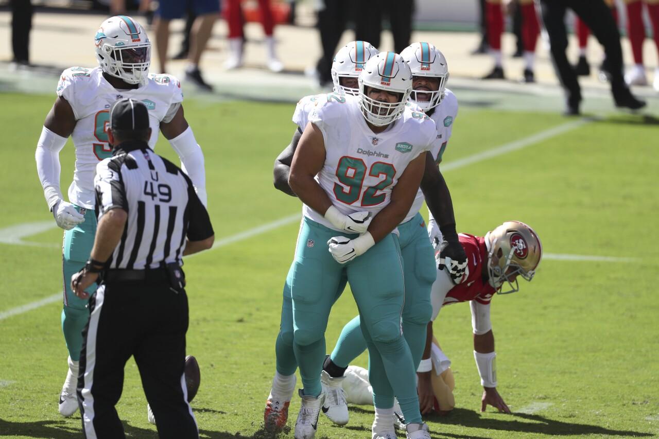 Miami Dolphins defensive tackle Zach Sieler celebrates sack vs. San Francisco 49ers in 2020