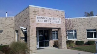 Man, 46, found dead along Montcalm County road