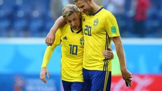 Forsberg delivers, Sweden reaches World Cup quarterfinals
