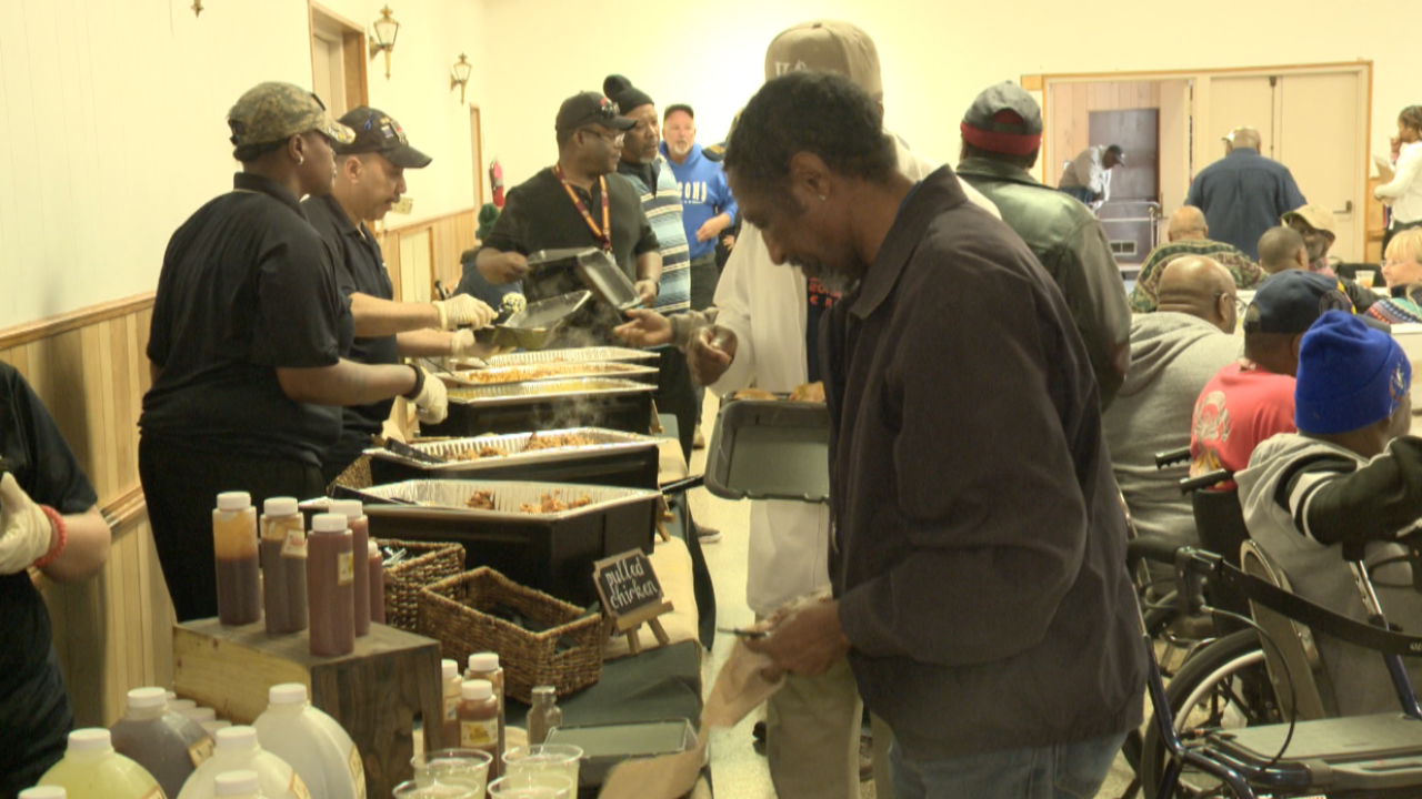 Mission BBQ serves lunch to 200 veterans in Newport News