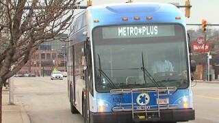 WCPO_Metro_bus_in_Norwood.jpg