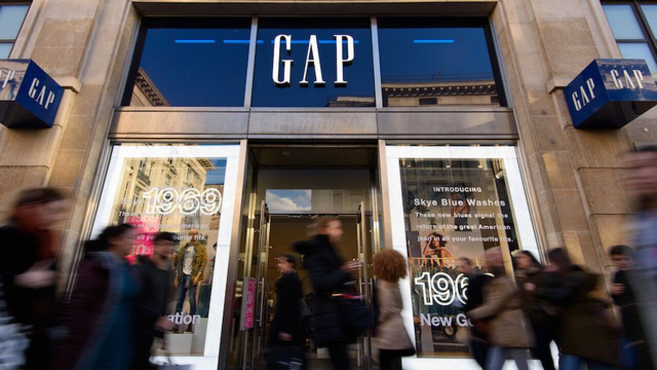 Gap apologizes for China T-shirt that didn't include Taiwan