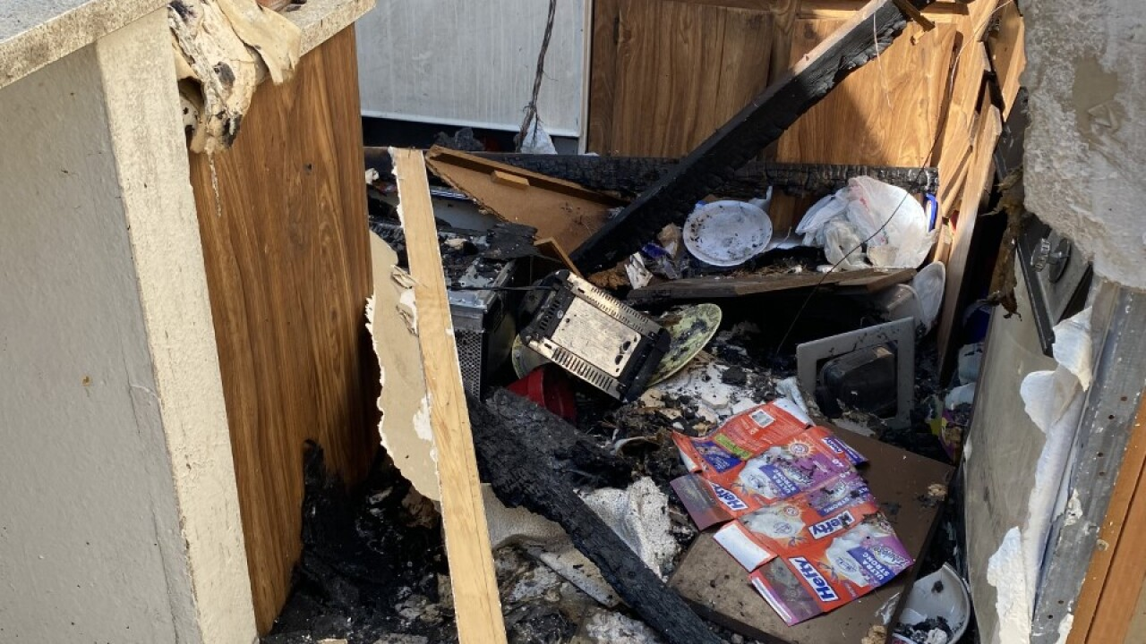 Las Vegas family loses everything in apartment fire