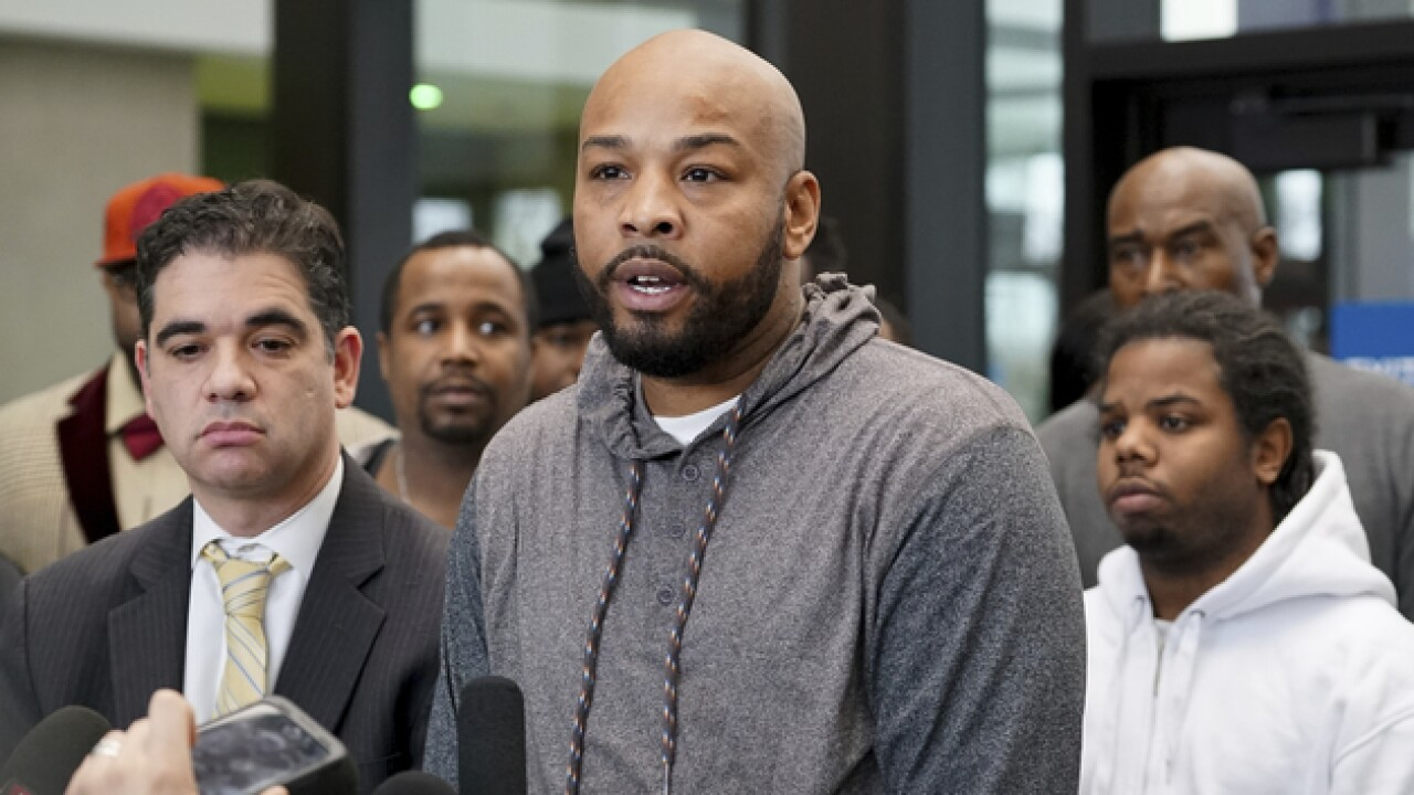 18 men framed by 'corrupt' Chicago police sergeant have convictions overturned