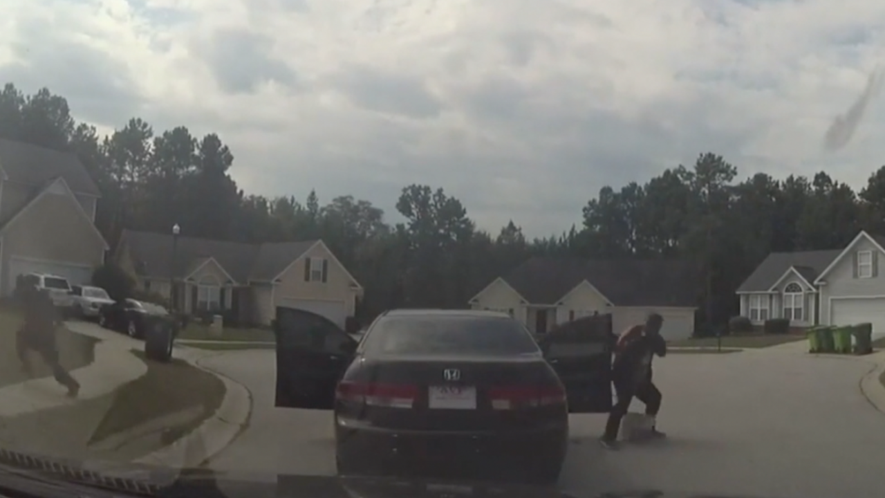 Dashcam captures shootout between accused bank robbers and deputies in S.C.