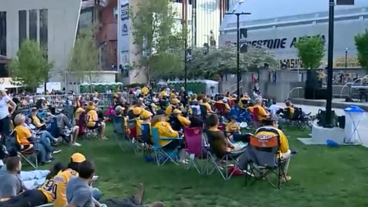 Crowds Pack Downtown Nashville For Busy Weekend