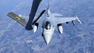 Refueling an F-16