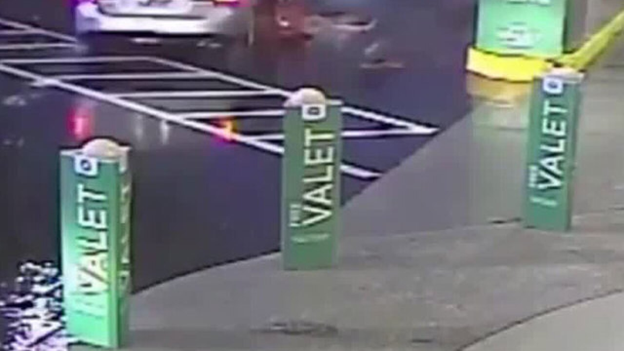 VIDEO: Woman dragged by getaway car after purse snatched outside Publix in Tampa