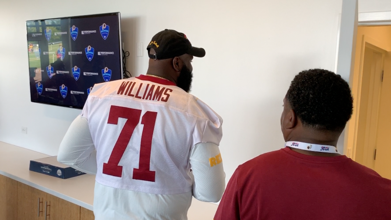 'Skins scoop: Portraying Trent Williams, Morgan Moses wears jersey No. 71