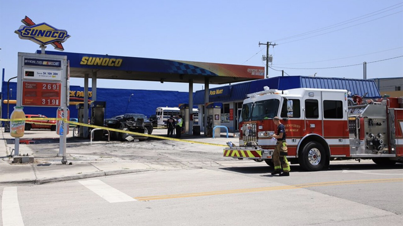 WPTV-BELLE-GLADE-GAS-STATION-FIRE-4.jpg