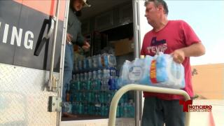 Furever United voluntarios agua.jpg
