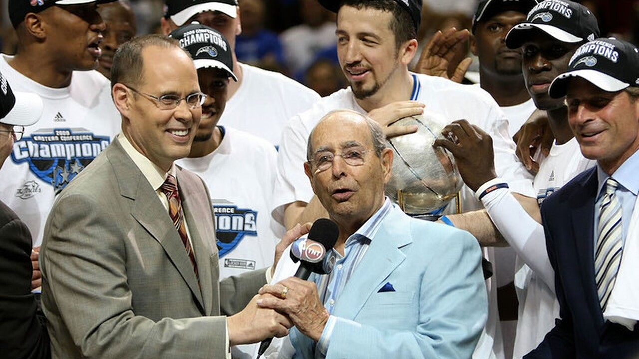 Amway co-founder Richard DeVos dies