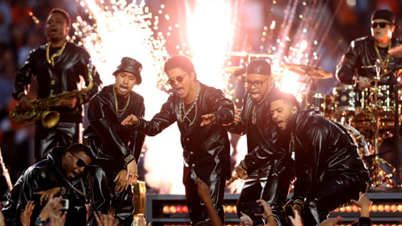 Bruno Mars set to perform in Tampa in 2017
