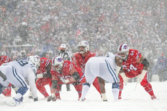 PHOTOS: Hard to see the Colts and Bills playing through heavy snow in Buffalo
