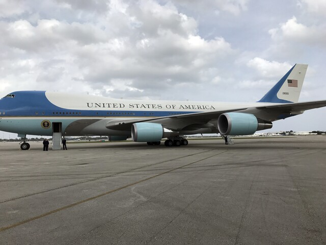 President Donald Trump, First Lady Melania Trump arrive in West Palm Beach to host Chinese president