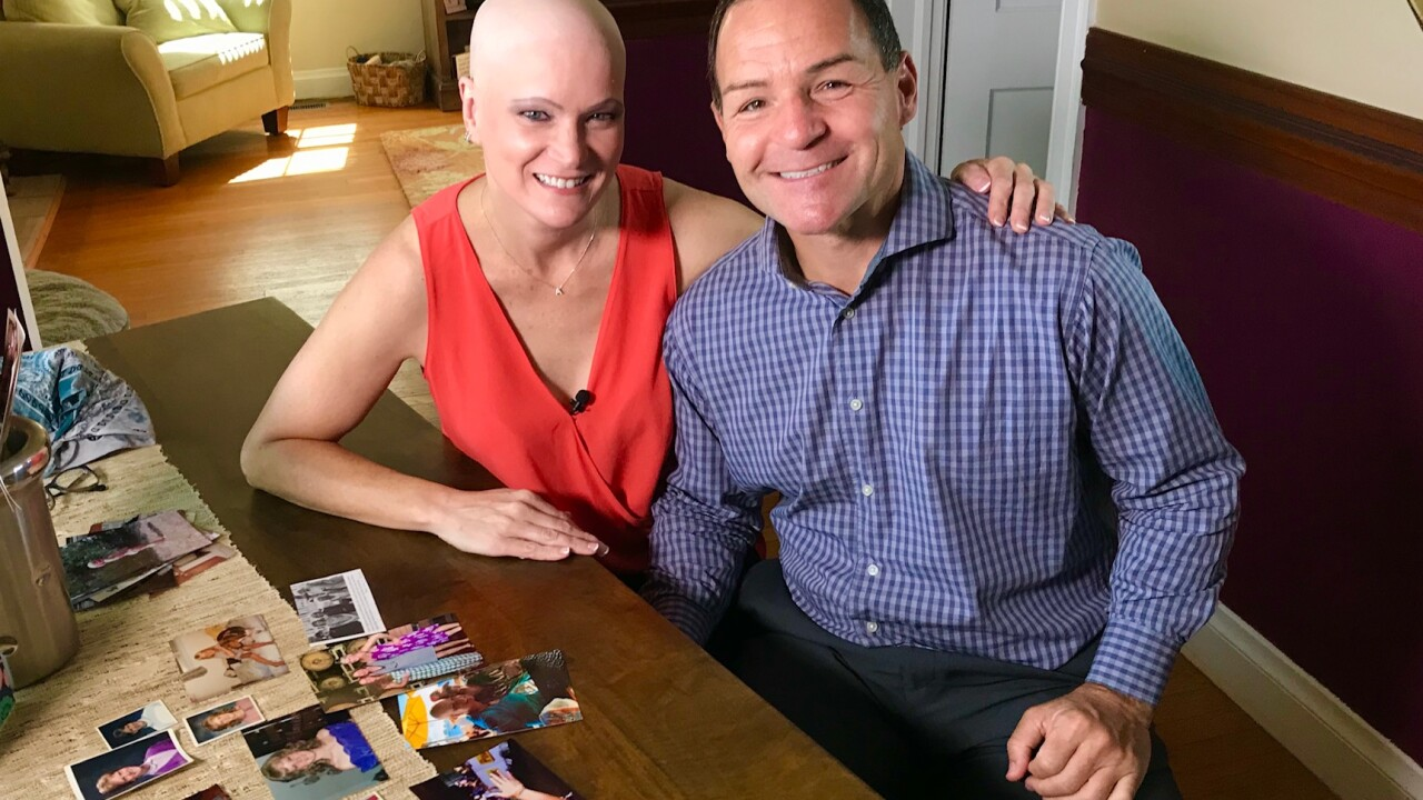 'Day-maker' stylist hairdresser with alopecia has 'passion' forhair
