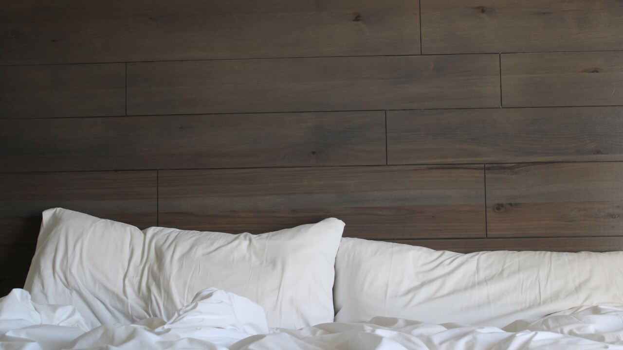 Sleeping too much, too little can increase risk of heart attack