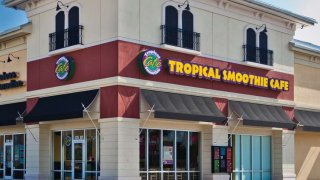"""Tropical Smoothie Cafe """"flips out"""" for a goodcause"""
