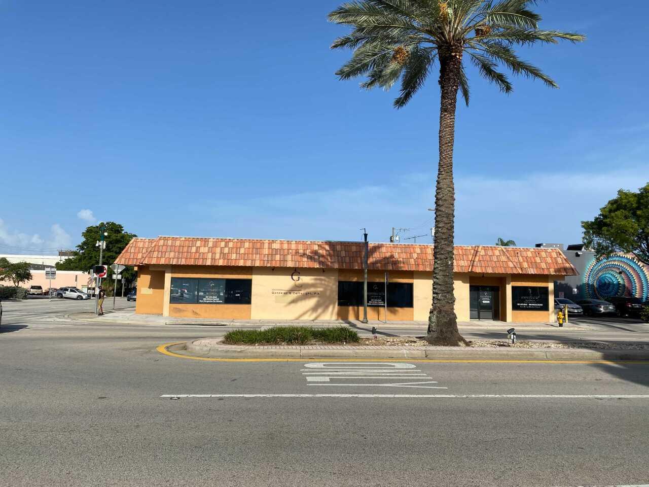 law offices of Gonzalez & Cartwright in 2021, site of Stella's Coffee Shop in 'Body Heat'