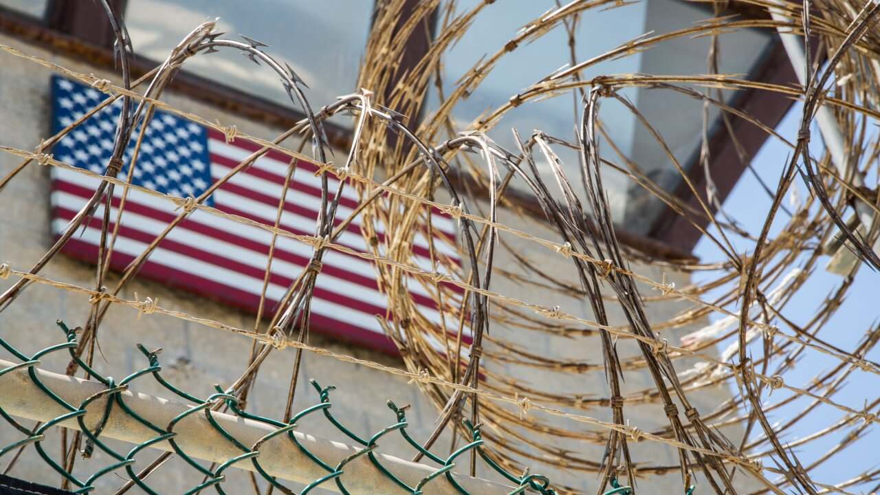 US to free British resident from Guantanamo Bay