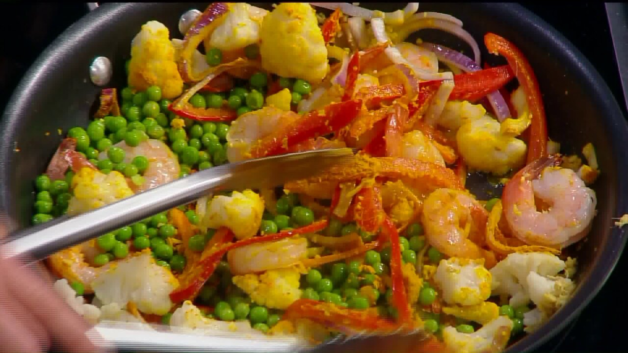 Delicious and healthy shrimp stirfry