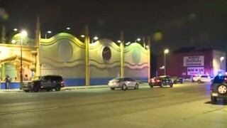Shootout outside of Detroit strip club leaves 6 people injured